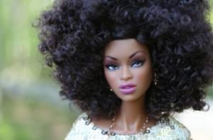 Ma poupée Noire, une poupée qui me ressemble